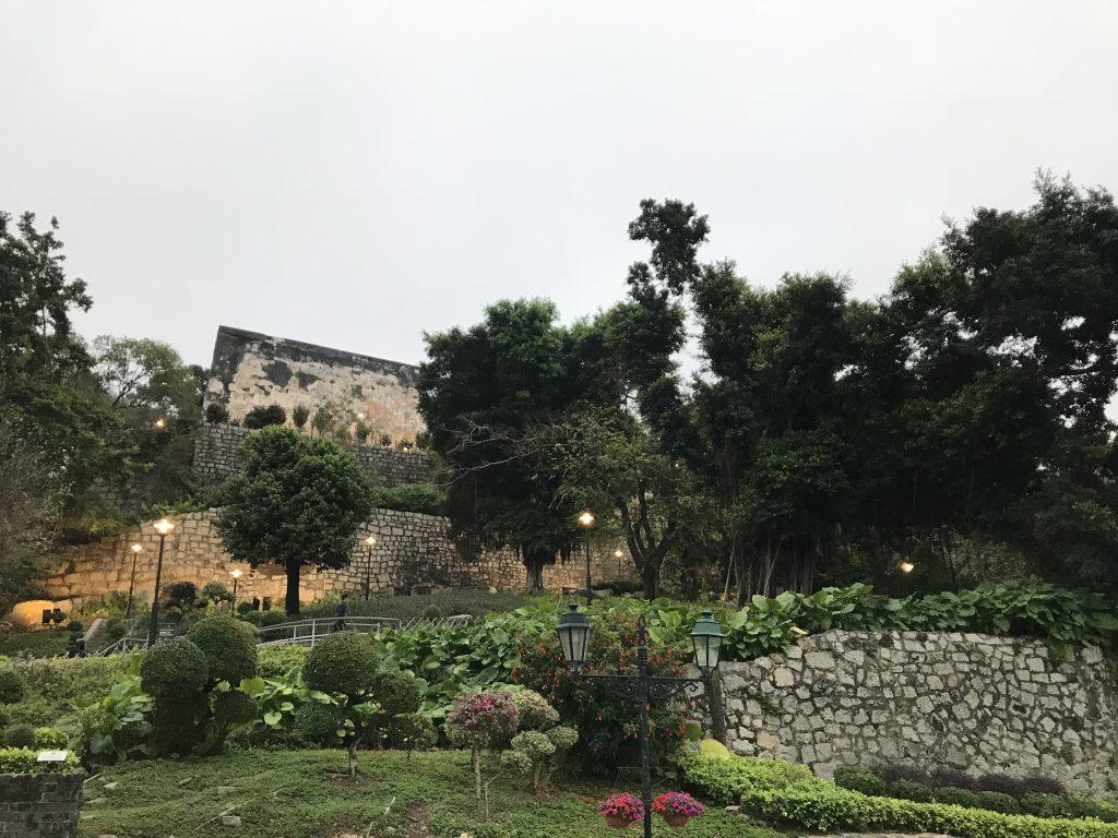 聖ポール天主堂跡から望む