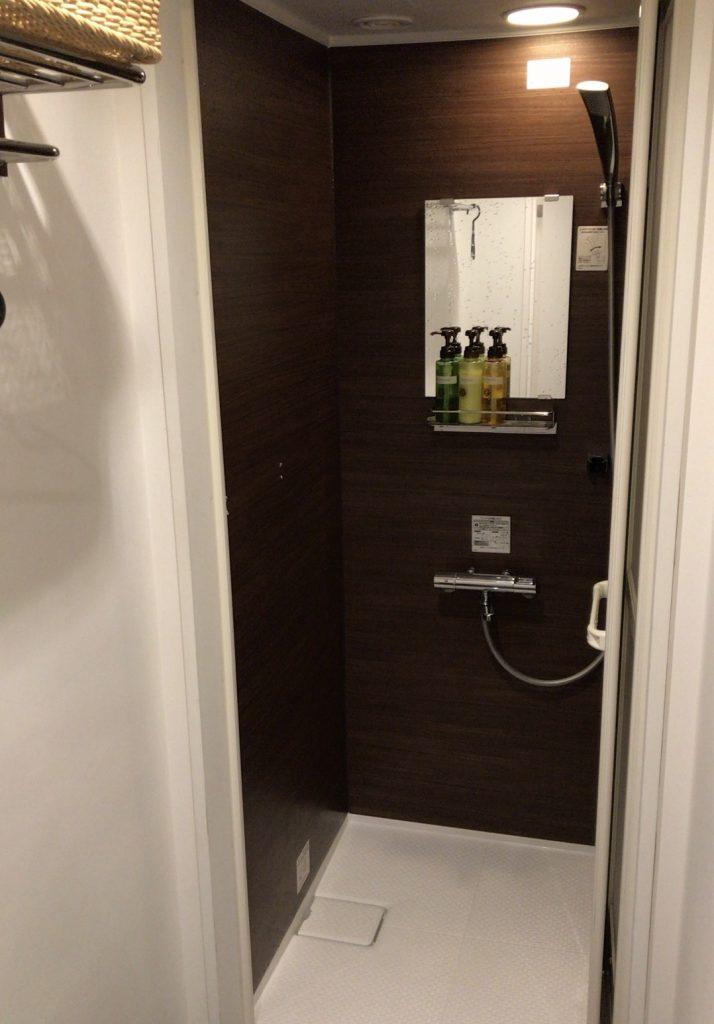 シャワーブース内