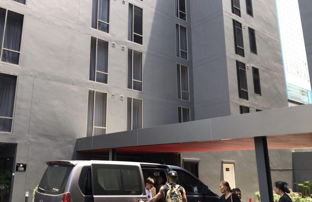 ホテル車寄せの様子